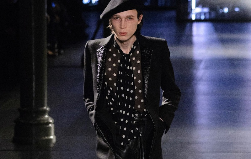 defile-saint-laurent-automne-hiver-2015-2016-paris-look-11 copia